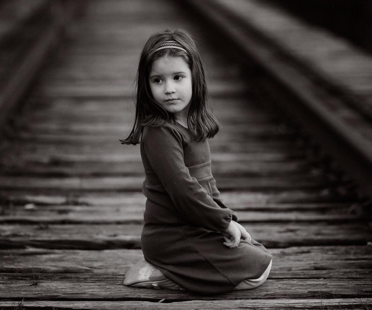 Fonds d 39 cran b b et enfants en noir et blanc maximumwallhd - Photo noir et blanc enfant ...